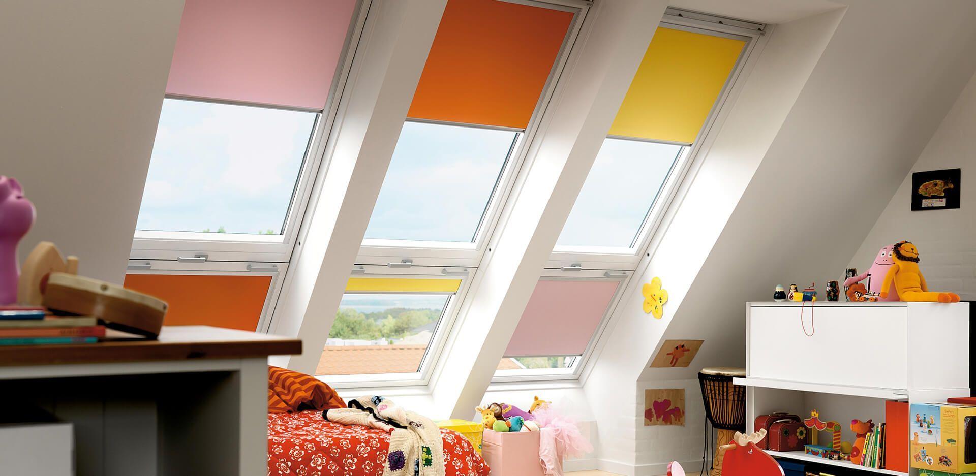 Cortinas de múltiples colores para ventanas de tejado Velux.