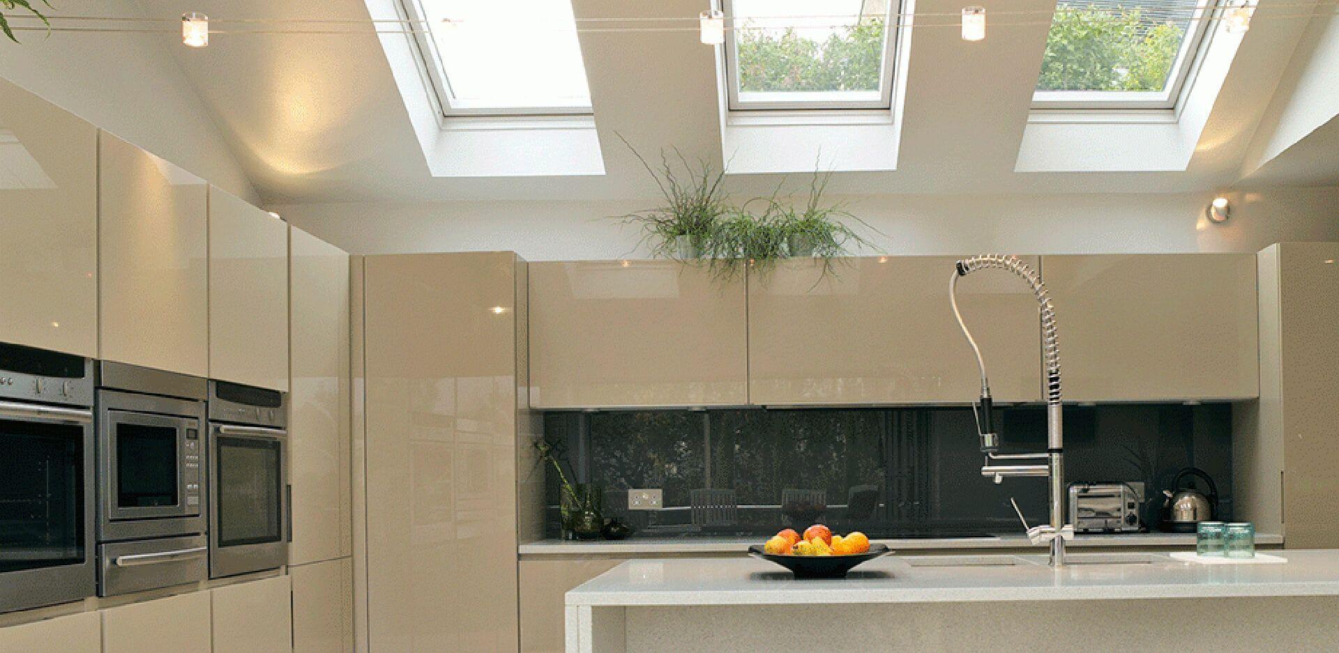 Cocinas con ventanas Velux, no solo para salones o dormitorios.